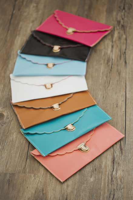 2-in-1 Scallop Envelope Clutch