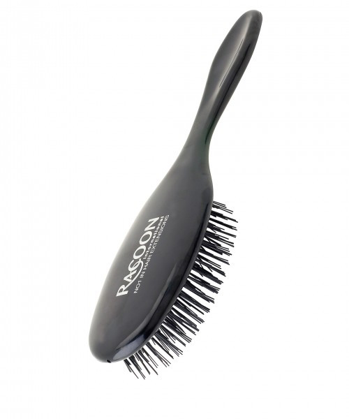 The fine bristles and soft cushion protects the bonds and allows the brush to run smoothly through your extension hair.