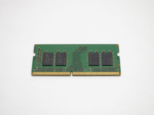 MTA8ATF1G64HZ-2G3B1 MICRON 8GB DDR4 2400 PC4-19200 SODIMM 1Rx8