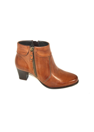 Dubarry Cecily Tan