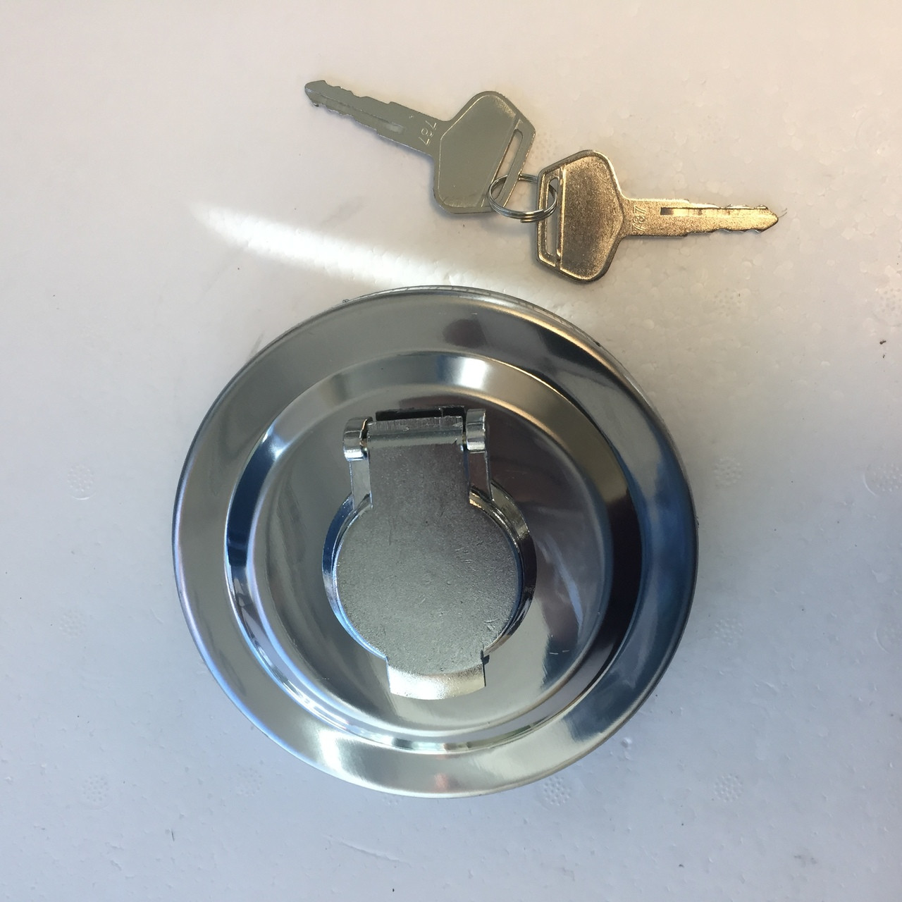 NEW---Fuel Cap with 2 Keys for Komatsu PC200-2 PC200-3 PC200-5 PC200-6 Excavator