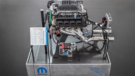Hellephant 426 Supercharged Hemi MOPAR Crate Engine - P5160194
