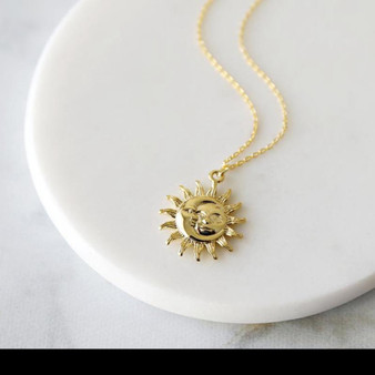 Beautiful Pendant - Minimalist Moon & Sun in Gold