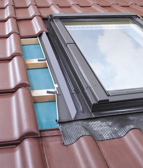FAKRO EZV-A 10 Profiled Tile and Interlocking Slate Flashing Kit 114x118cm