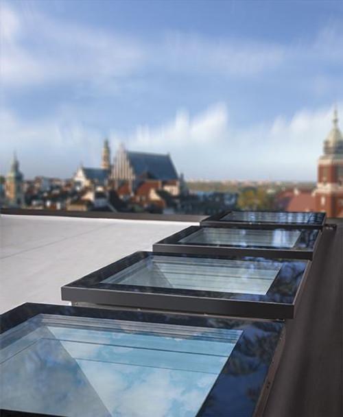 FAKRO DEF-D U8 04K Electric Flat Roof Window with High Energy Efficient Quadruple glazing 80x80cm