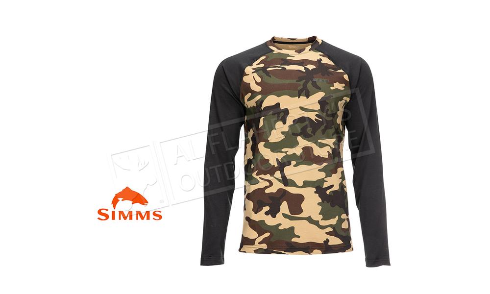 Simms Men's Lightweight Baselayer Top Woodland Camo #13309-569