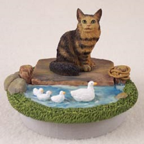 brown Maine Coon Cat lake Candle topper
