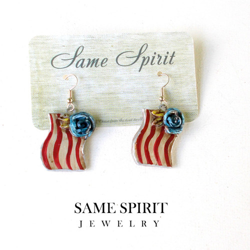 PATRIOTIC earrings - Tiny Flags with blue rose