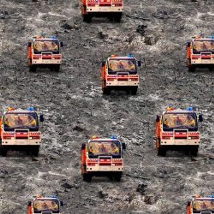 Honouring Australia's Firemen Wildfire Heroes 0109/F Fire Trucks Cotton Quilting Fabric 1/2 YARD