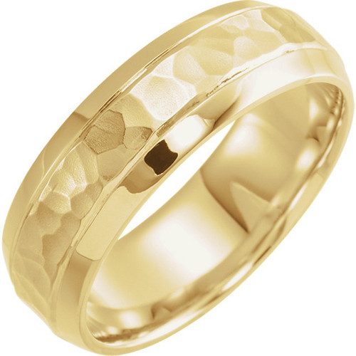 18k Gold 7MM Beveled Edge Wedding Band with Hammered Finish
