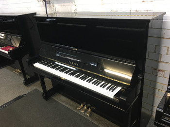 Yamaha U3F 1042837 Secondhand Upright 131cm Piano (1970)