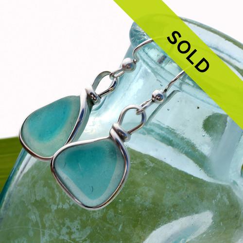 Vivid Aqua Flashed Multi Sea Glass In Gold Wire Bezel©
