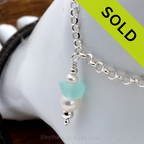 Stunning bright aqua sea glass combined with AAA grade fresh water pearls on a simple beach anklet. Sorry this Sea Glass Jewelry selection is NO LONGER AVAILABLE!