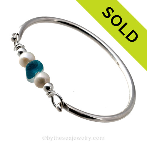 Aqua Lovers -  Mixed Electric Aqua Seaham Sea Glass Bangle Bracelet In Sterling W/ Pearls