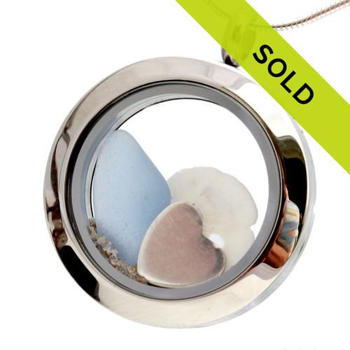 Beachlovers - Baby Blue Sea Glass Sandollar & Real Sand Locket With Heart Charm