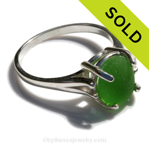 PERFECT Green Beach Found Sea Glass In Sterling 10MM Basket Ring - Size 8 (Re-Sizeable)