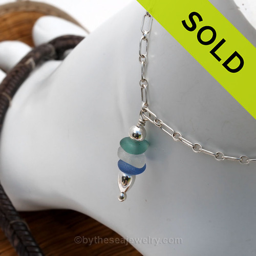 A simple mixed blue, white  and aqua sea glass anklet for your beach trips this summer.