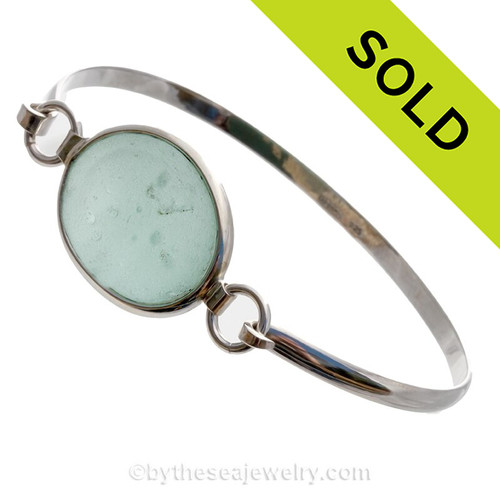 Bubbly Sea Green Genuine Beach Found Sea Glass Bangle Bracelet in Deluxe Wire Bezel©