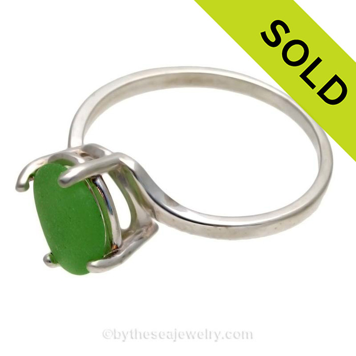 Simple Green Beach Found Sea Glass In Sterling Ring - Size 8 (Re-Sizeable)