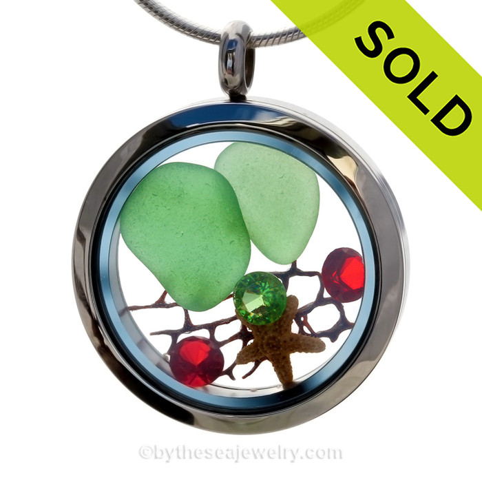 Green sea glass and a real starfish and beach make this a great locket necklace for the holidays. Ruby Red AND Peridot Green crystal gems finish the locket with some extra bling. SOLD - Sorry This Sea Glass Jewelry Item is NO LONGER AVAILABLE!