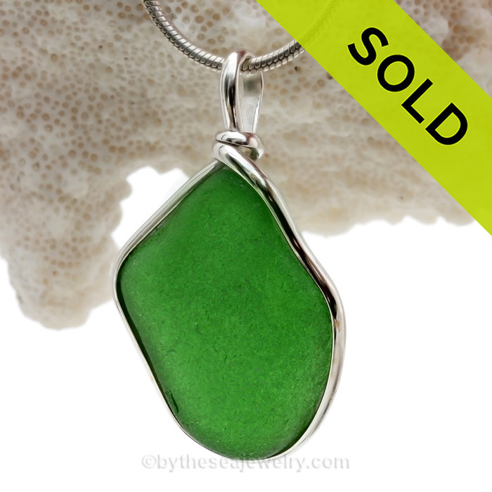 VIVID Deep Green Sea Glass In Original Silver Wire Bezel© Wire Pendant (SP134)
