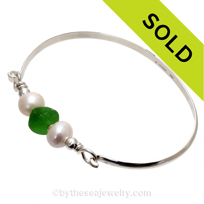 Bright Green Seaham Sea Glass Bangle Bracelet In Solid Sterling With Real Pearls