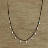 B+W dangling pearl necklace