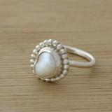 Pearl dot ring
