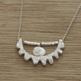 Lace shell necklace