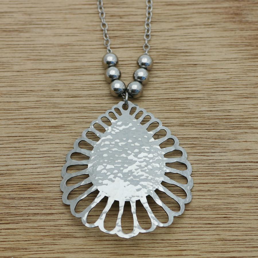 Sunburst necklace with beads