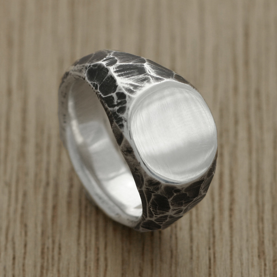 B + W carved signet ring