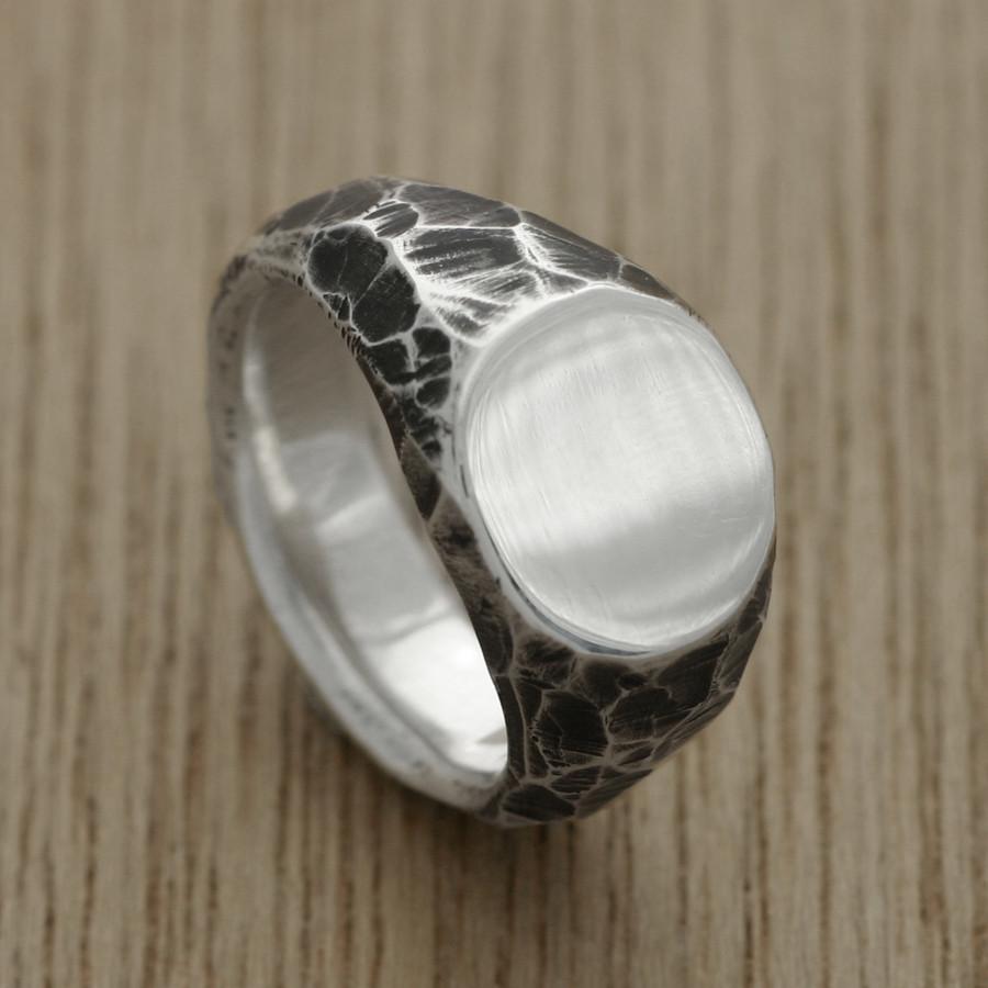B + W carved signet ring