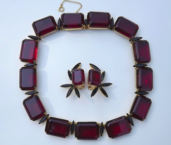 Spectacular Hattie Carnegie Big Red Stones Necklace Earrings Black Navettes