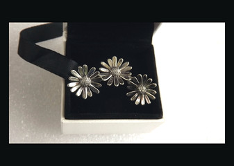 Authentic PANDORA 925 Pavé Daisy Flower Ring Sz 7 & Stud Earrings Set With Box