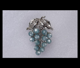 Gorgeous Vintage Grapes Cluster Fur Clip Blue Moonglow Stones Pave Rhinestones Silver Rhodium Old Costume Jewelry