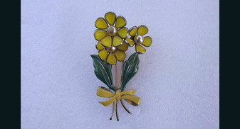 1940's Trifari Fur Clip Alfred Philippe 3 Flower Yellow Poured Glass Petals Enamel Leaves Old Costume Jewelry