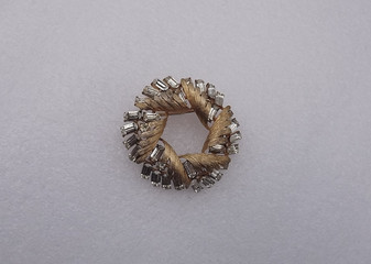 Coro Wreath Brooch Gold W/ Clear Rhinestones 3D Vintage Pin Not Just Christmas Jewelry