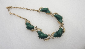 Vintage Coro Necklace Green Organic Free Form Plastic Stones Faux Pearls Light Gold Plated Finish Old Costume Jewelry (ESOC))