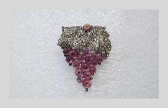 Rare Alfred Philippe TRIFARI Art Deco Pink Moonstone ShoeButton Fur Clip Brooch