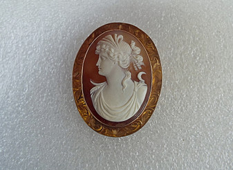 """Gorgeous Victorian 10K Gold Cameo Pendant Brooch Goddess Diana Shell Wide Etched Setting 2.5"""""""