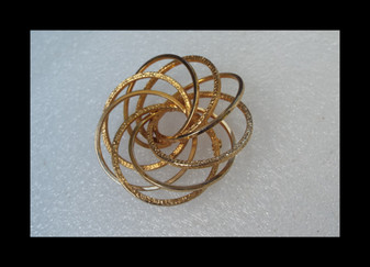 """1960's MCM Abstract Spiral Brooch Huge 3"""" Swirling Modernist 3D Space Age Gold Tone Pin"""