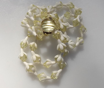 Vintage Springtime Jewelry Necklace Soft Yellow & White BELL Flower plastic Beads Necklace West Germany