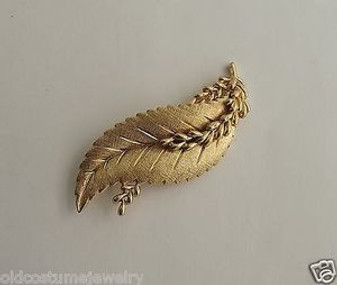 1960's TRIFARI GOLD PIN 3D LEAF RHODIUM PLATED BEAUTIFUL BIG BROOCH