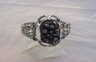 Vintage Whiting Davis HINGED Bangle Bracelet RARE Hematite Glass BLACK Diamond Points