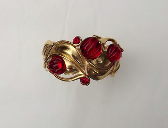 Trifari KUNIO MATSUMOTO Bracelet~RIBBED RED LUCITE STONES ~Hinged Bangle~RARE