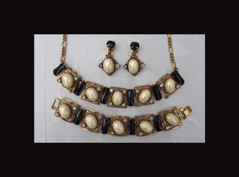 AWESOME SELRO Necklace Bracelet Earrings Set~BAROQUE PEARL Cabs~JET Black Glass