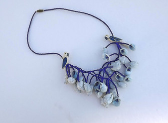 VINTAGE FOLK BOHO SEA SHELLS WOOD PARROTS NECKLACE  BLUE GLASS BEADS