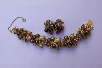 D&E Juliana Cha Cha Bracelet Earrings Set Gold Foil Cats Eye Rhinestones Crystal Beads