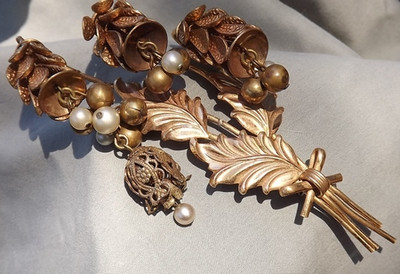 Collect Vintage Designer Signed jewelry Only ? Designer Unsigned is Beautiful & Valuable Too!
