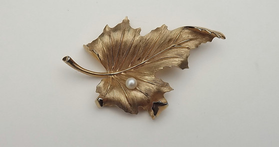 Vintage Rare  Alfred Philippe Trifari Gold & Genuine Pearl Leaf  Pin Brooch